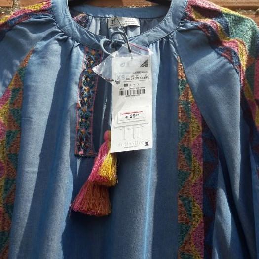 Vestido denim bordado zara